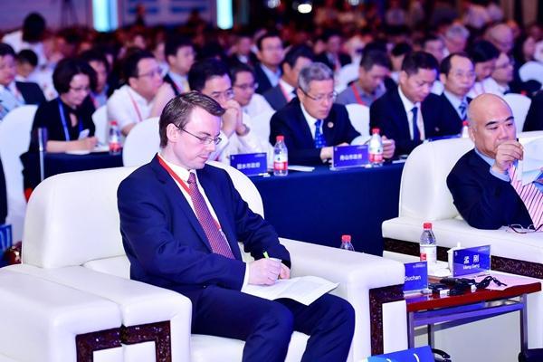 浙江国际投资论坛 吸引近200位跨国公司代表参加.jpg